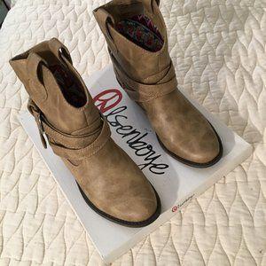 Olsenboye Blond Cowboy Boots